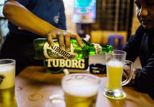Myanmar. Tuborg turnaround for Carlsber
