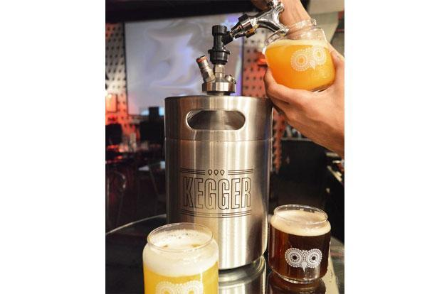 India. Lounge review: White Owl beer keggers, Mumbai