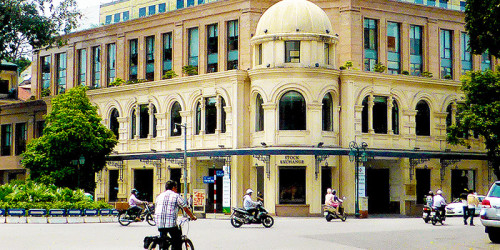 hanoi-stock-exchange-700